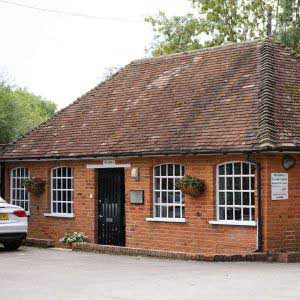 The Stables, Chipstead, Sevenoaks Kent. Offices TO LET Salisbury and Co