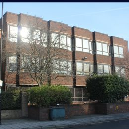 OFFICES TO LET WITH PARKING