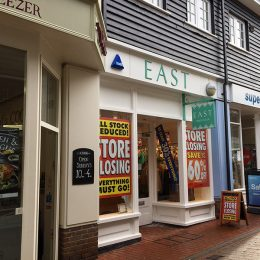 PRIME RETAIL UNIT TO LET