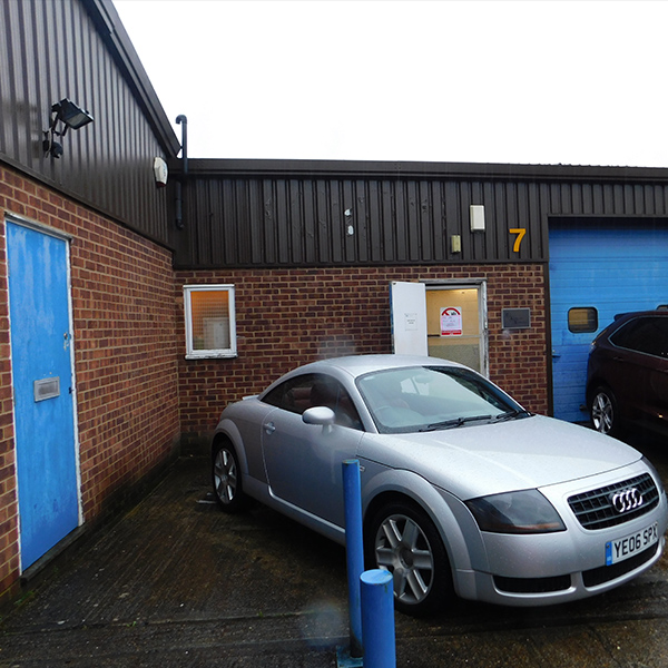 Light Industrial Unit In Swindon: LIGHT INDUSTRIAL UNIT FOR SALE