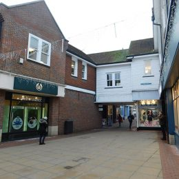 MODERN TOWN-CENTRE OFFICE TO LET