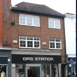 REFURBISHED TOWN CENTRE OFFICES TO LET